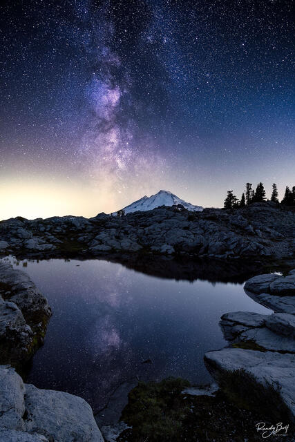 Milky Way galaxy over mount bake from artist point
