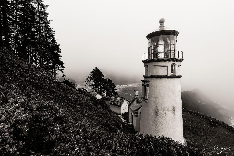 black and white haceta head lighthouse on the Oregon Coast.