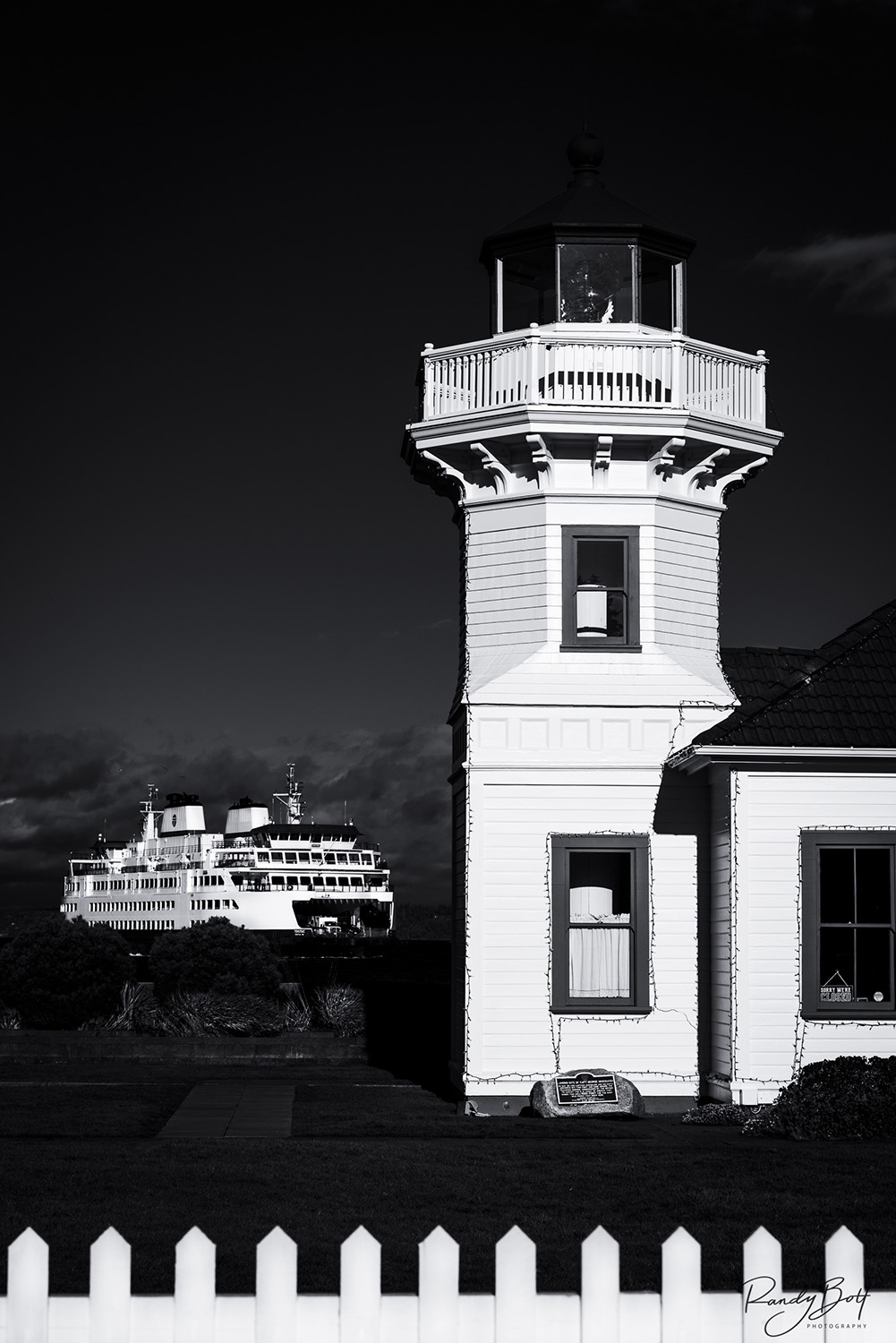 Mukilteo lighthouse and ferry in black and white