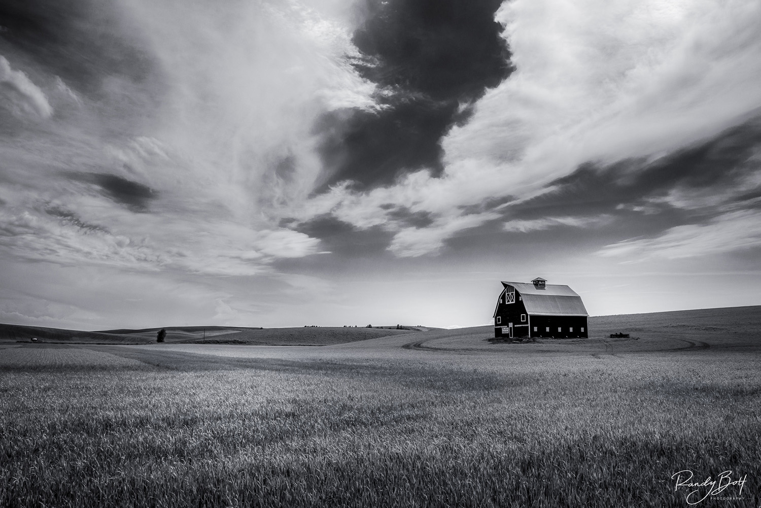 old barn in the Palouse region of Washington State