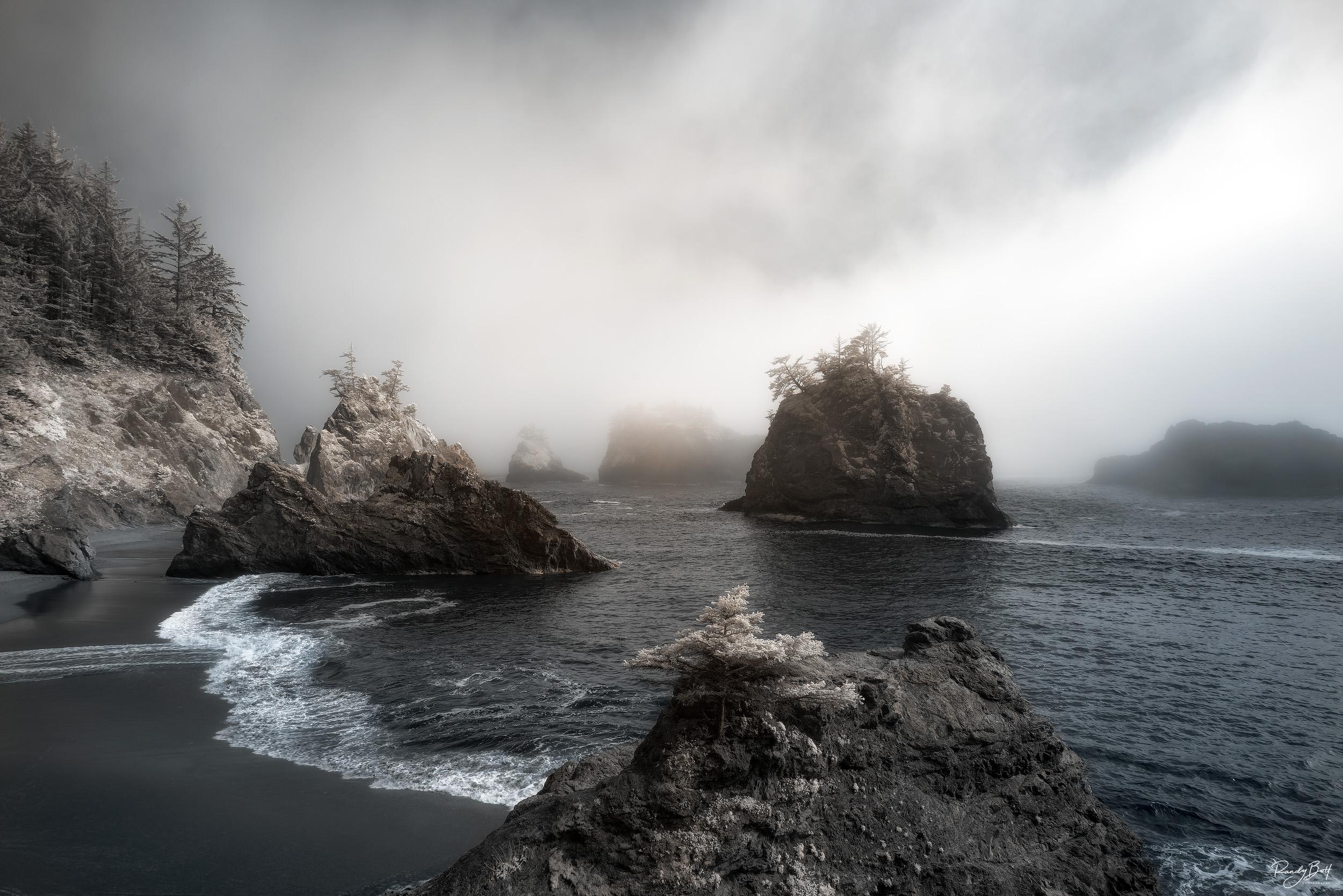 secret beach in standard infrared on the Oregon Coast